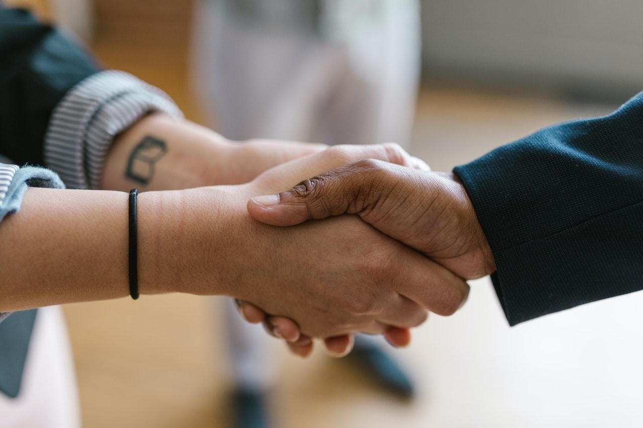Guest Post: The Quickest Ways for Small Businesses to Turn a Cold Lead Into a New Client